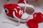 Scarpine rosse sneakers  tipo Converse crochet con papillon abbinato