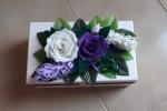 Scatola porta oggetti in legno decorata con fiori in pannolenci