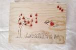 Scatola di legno con disegno al pirografo e cuoricini in fimo