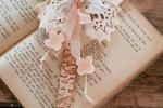 Segnalibro farfalla rosa pastello in feltro