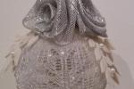 Sfera decorativa natalizia color argento e bianco
