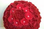 Sfere decorative rosse realizzate a mano