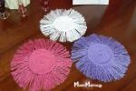 Sottobicchieri in cotone colorato realizzati in macramé