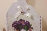 Tagliere decorato con tovaglioli da decoupage