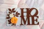 Targa con la parola Home e decorazioni floreali