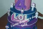 Torta scenografica a tema Lol Surprise