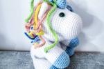 Unicorno amigurumi peluche