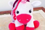 Unicorno amigurumi realizzato all'uncinetto