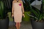 Vestitini barbie fatti all'uncinetto in cotone e cotone e stoffa
