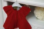 Vestitino rosso in lana, fatto interamente a mano